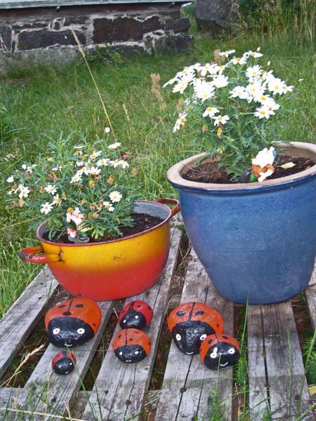 Фруктами цветами и осенними листьями